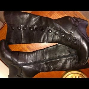 Other - Royal Vintage Boots (Size: 8.5)